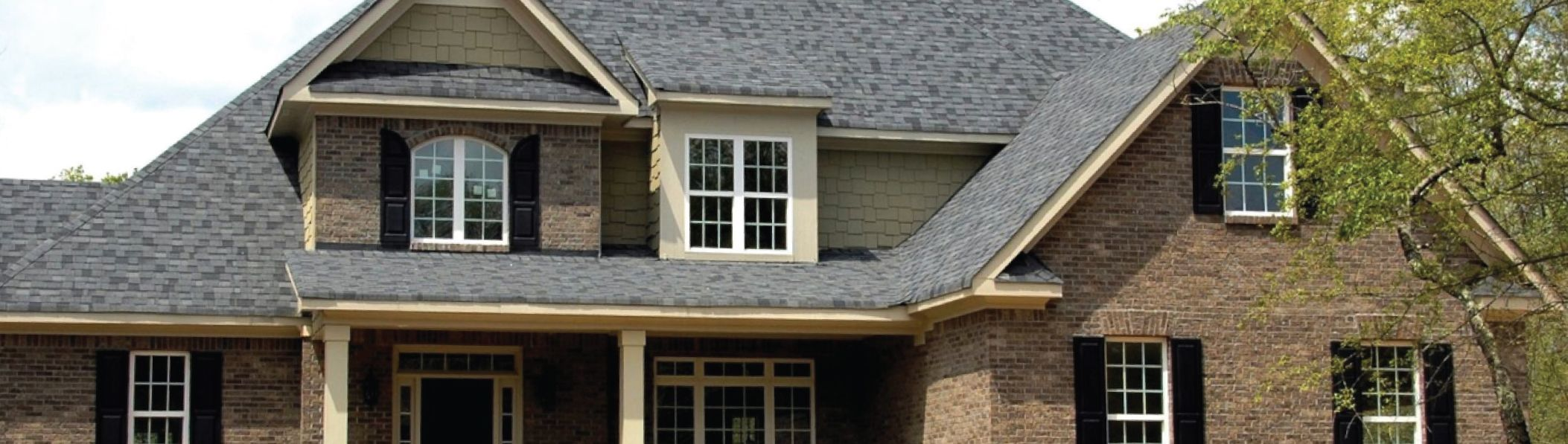 3 Reasons You Should Hire A Professional For Roof